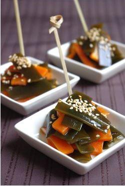 Tsukudani: algues kombu mijotées au dashi shoyu