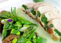 Veau grillé avec légumes de printemps