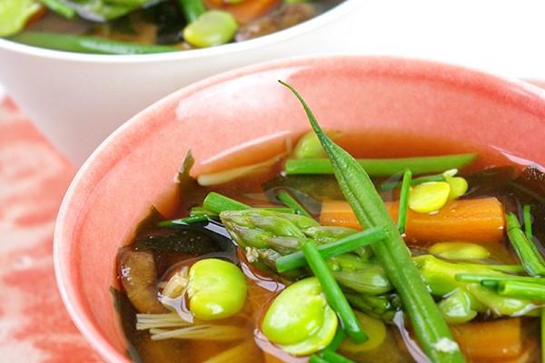 Soupe miso aux l gumes table avec olivier de nishikid ri - Soupe miso ingredient ...