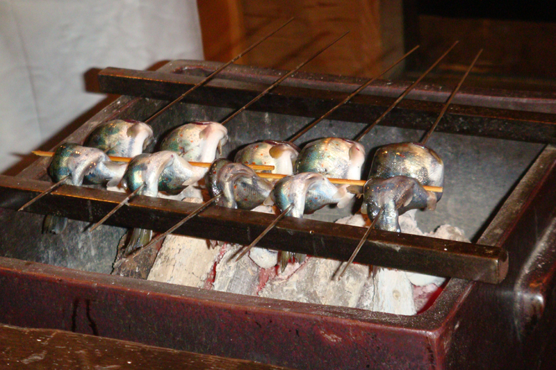 cuisson-brochettes-poisson-japon